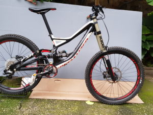 Specialized DEMO8 FSR mis.XS